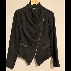 Black large lapel flapped jacket